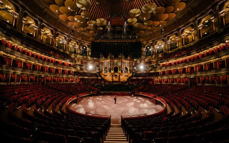 تصاویر | ۱۵۰ سال از افتتاح رویال آلبرت هال لندن گذشت