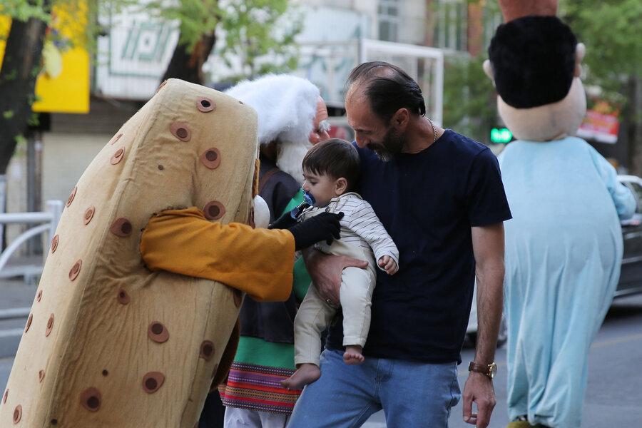 عروسکهای نوروزی به خیابان آمدند