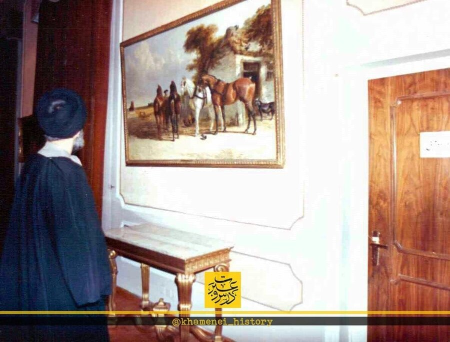 تصویری از افتتاح موزه هنرهای معاصر سعدآباد توسط حضرت آیتالله خامنهای