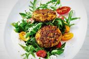 طرز تهیه کتلت عدس با ماست یونانی | غذایی سرشار از فیبر ویژه ماه رمضان