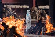 بحران در هند به خاطر کمبود چوب برای سوزاندن اجساد