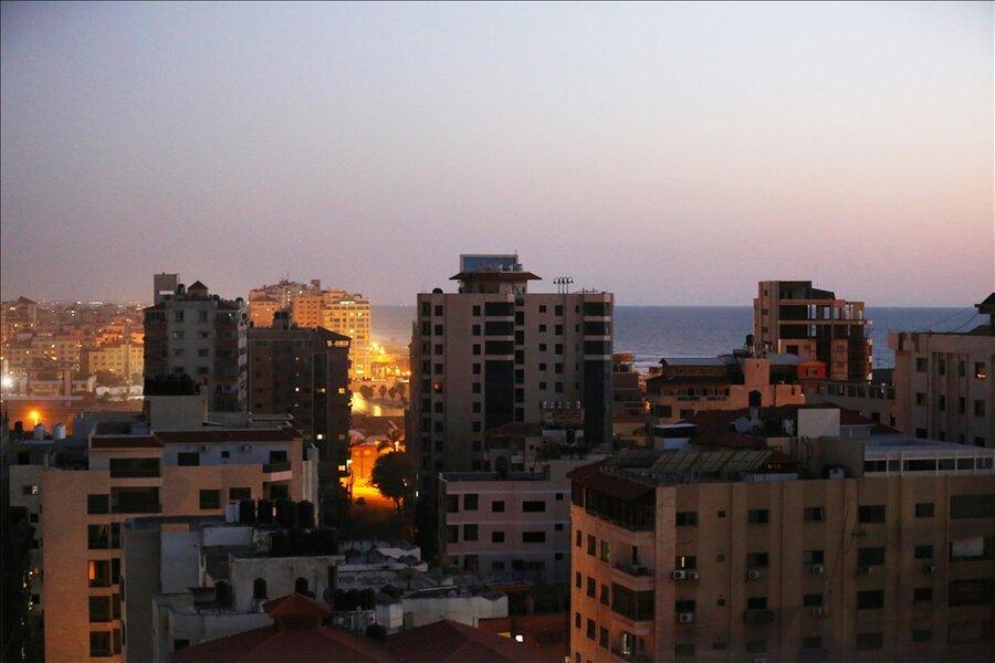 تصاویر | حملات صهیونیست ها به ساختمان 13 طبقه در غزه