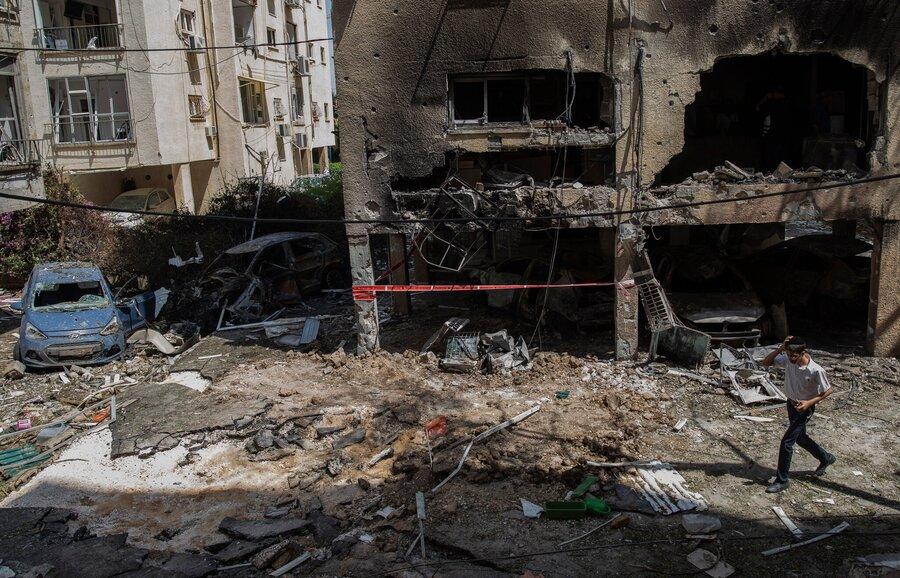 ادامه درگیریهای حماس و رژیم صهیونیستی   آماده باش ارتش اسرائیل برای حمله زمینی به غزه   تعداد کشتههای غزه به 87 نفر رسید