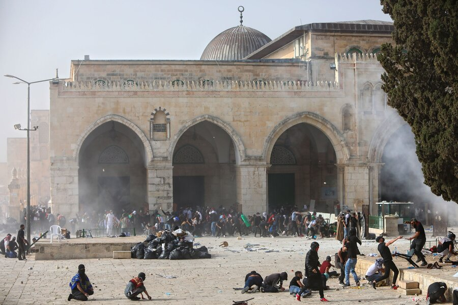 ادامه درگیریهای حماس و رژیم صهیونیستی   ارتش اسرائیل آماده حمله زمینی به غزه میشود   تعداد کشتههای غزه به 87 نفر رسید