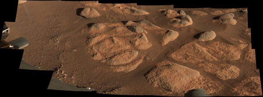 «استقامت» صخرههای اسرارآمیز روی مریخ را بررسی میکند