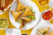 طرز تهیه سمبوسه | آموزش تصویری طرز پیچیدن این غذای جنوبی