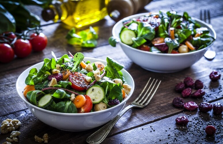 ۴ خوراکی که احساس خستگی تابستانی را از بین میبرد