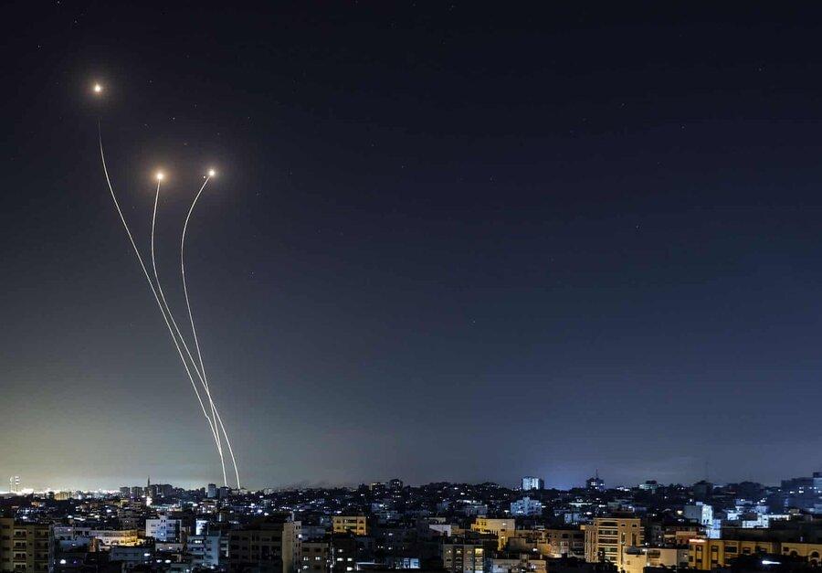 عکس روز | موشک و ضدموشک بر فراز غزه