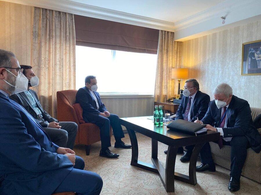 دیدار روسای هیاتهای ایران و روسیه پیش از نشست کمیسیون مشترک برجام