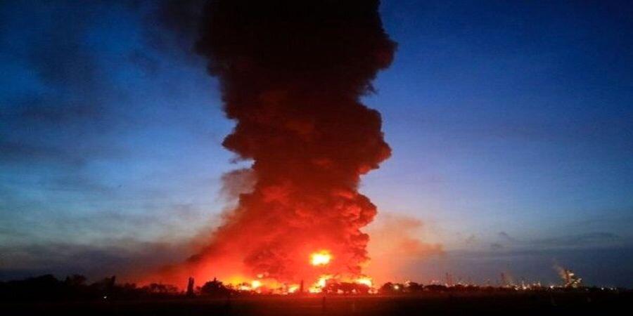 ویدیو   آتش سوزی مهیب نزدیک ایستگاه قطار در لندن