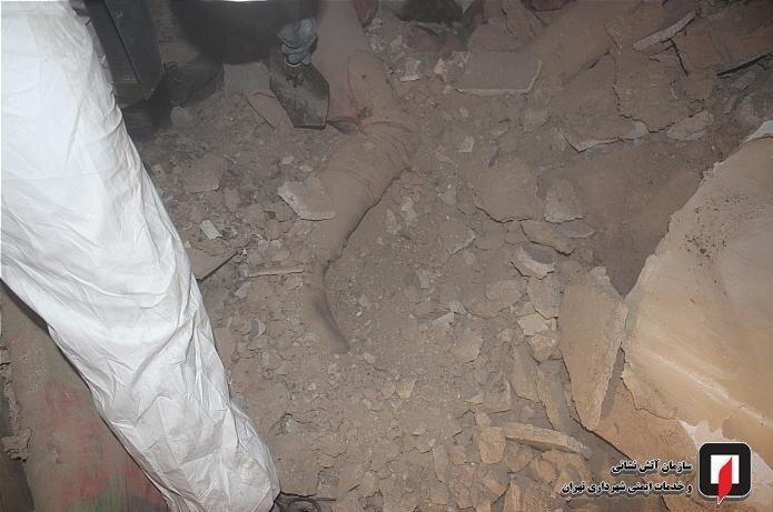 تصاویر | بوی بد خانه پیرمرد، راز مرگش را فاش کرد