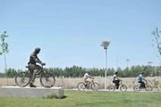 اسکیت سواری و دوچرخهسواری در بوستان الهام