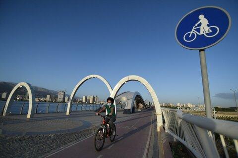اولین مهمانان پیست دوچرخهسواری دریاچه خلیج فارس