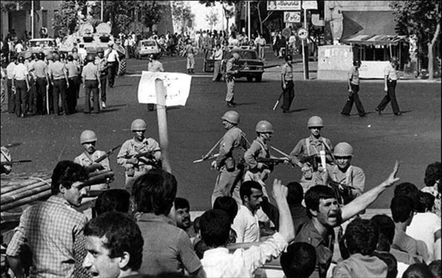اعتراضات مردمی چگونه به قیام ۱۵ خرداد ۴۲ تبدیل شد؟