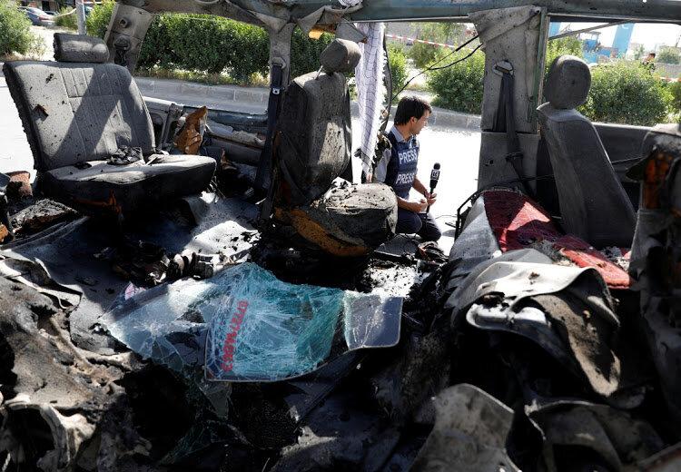 انفجار یک وسیله نقلیه بمبگذاری شده در افغانستان ۱۱ کشته برجای گذاشت