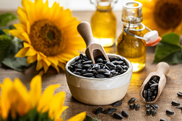 sunflower seeds - تخمه آفتابگردان - دانه