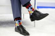 عکس روز| جورابهای رنگی نخستوزیر