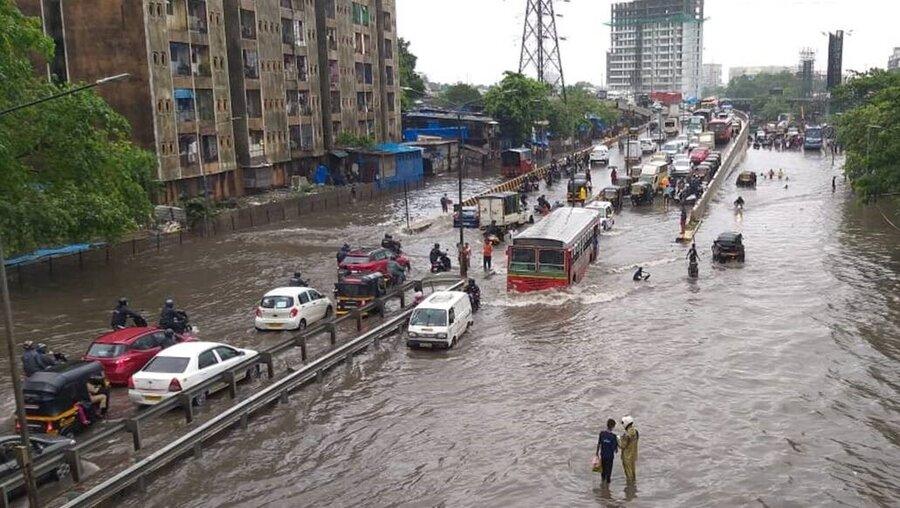 باران سیل آسا در بمبئی