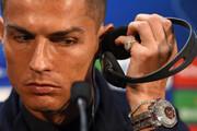 ویدئو | حرکت رونالدو در کنفرانس خبری یورو سوژه شد!