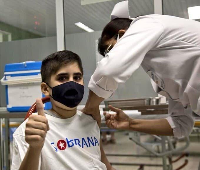 تزریق واکسن پاستوکووک به اولین کودک