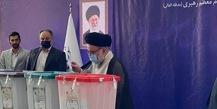 تصاویر  | معاون روحانی رای داد | محسن هاشمی با دست شکسته پای صندوق | احمد خاتمی پای صندوق آمد | حضور فرمانده کل ارتش برای رای دادن