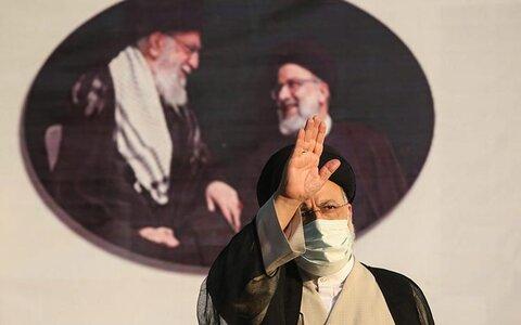 رئیسی، هشتمین رئیس جمهوری ایران   پیامهای تبریک رضایی، همتی و قاضیزاده هاشمی