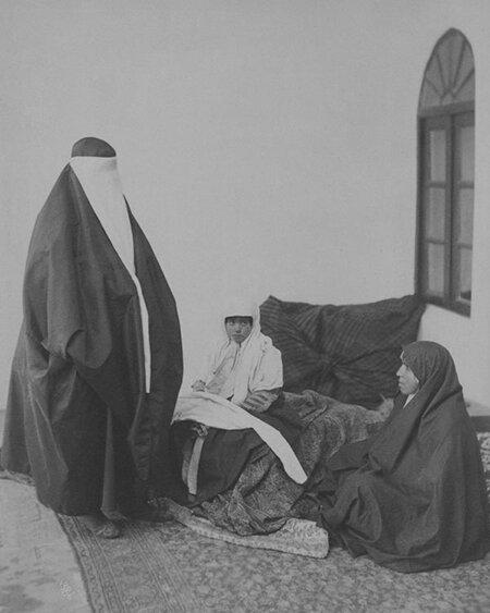 تصاویری از مد و پوشاک زنان قجری | زنان در دوره قاجار چه میپوشیدند؟