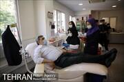 شهردار تهران با دوچرخه به مرکز اهدای خون رفت | حناچی: اهدای خون بخشی از مسئولیت اجتماعی شهروندان است