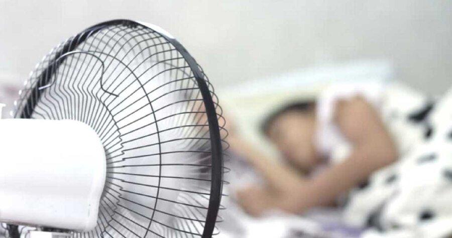 sleeping in front of Fan - خواب - پنکه