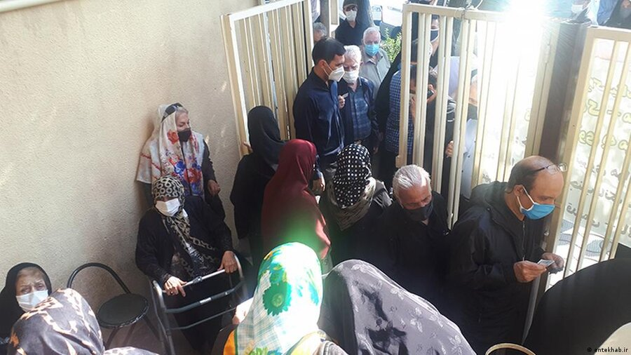ازدحام در مراکز واکسیناسیون