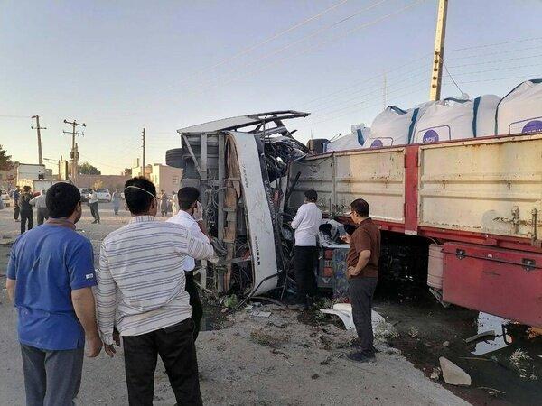 واژگونی اتوبوس در یزد