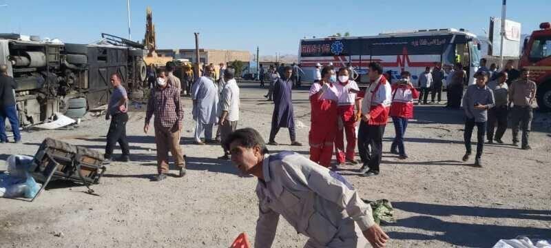 جادههای مرگ باز هم قربانی گرفت؛ واژگونی اتوبوس در یزد ۵ کشته و ۲۸ مصدوم بر جا گذاشت
