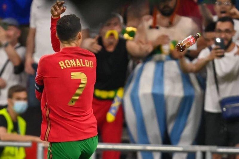 عکس | حمله به کریس رونالدو بعد از شکستن رکورد دایی