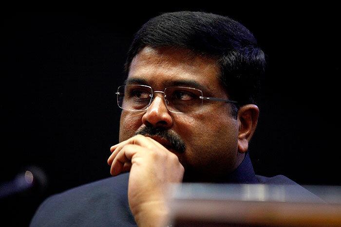 دارمندرا پرادهان، وزیر نفت هند