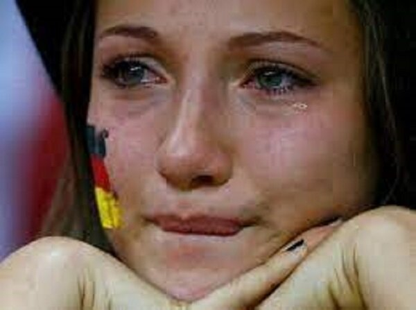 عکس | تلخترین لحظه یورو ۲۰۲۰ | هوادار خردسال آلمانی اشک همه را درآورد!