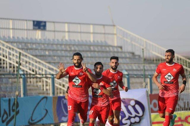 لیگ برتر   اولین برد تراکتور با فیروز کریمی برابر ذوب آهن   شکست سایپا برابر پدیده در تهران