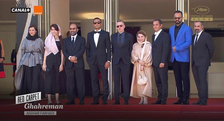 تصاویر | حضور اصغر فرهادی و ستارههای قهرمان روی فرش قرمز کن ۲۰۲۱ با نوای مرغ سحر شجریان
