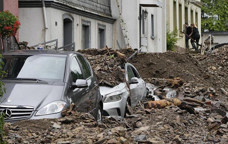 تصاویر   ۹۰ کشته و صدها ناپدید در سیل ویرانگر و مرگبار آلمان و بلژیک