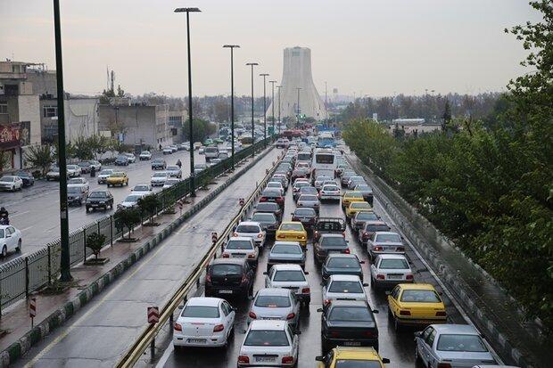 تغییر ساعات کاری ادارات از امروز و ترافیک پرحجم تهران