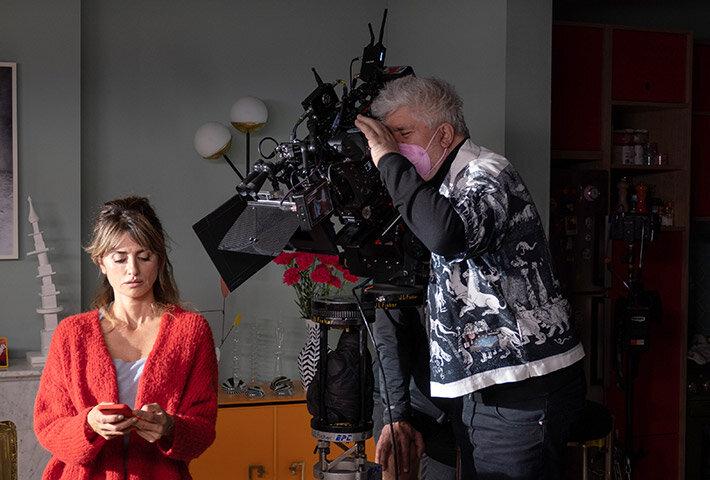 پدرو آلمودووار و کروز در فیلم مادران موازی