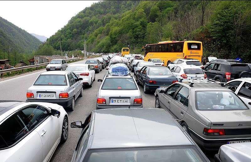 ترافیک سنگین در برخی محدودههای محورهای هراز و چالوس