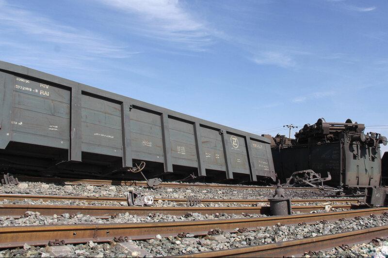 خروج قطار باربری از ریل