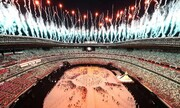 عکس روز | آتشبازی در استادیوم