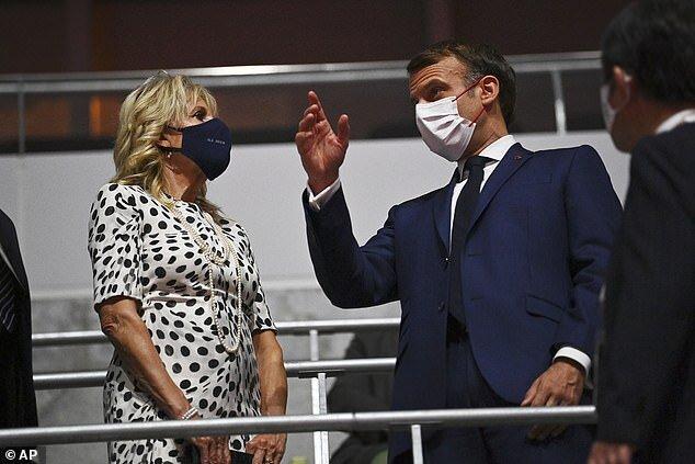 جيل و مكرون، رئيس جمهور فرانسه، در مراسم افتتحايه صحبت كردند.