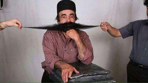 عکس | درگذشت رکورددارِ درازترین سبیل جهان