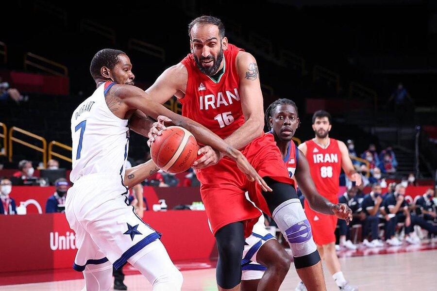 ویدئو   ژاپنی ها ربات بسکتبالیست را بین بازی ایران و آمریکا نمایش دادند   شوتهای سه امتیازی ربات