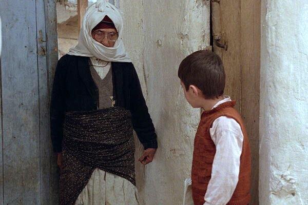فيلم خانه دوست كجاست عباس كيارستمي