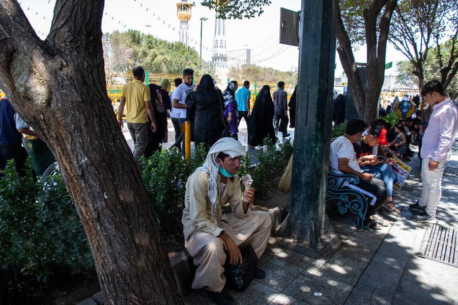 هجوم مسافران به مشهد
