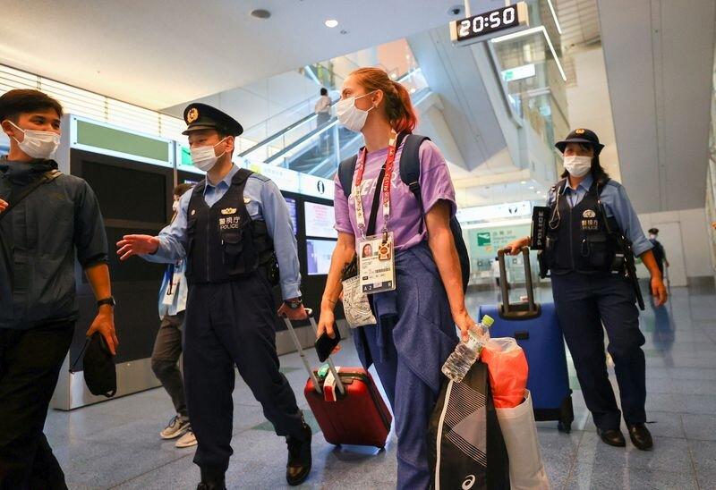 دونده بلاروسی در فرودگاه توکیو