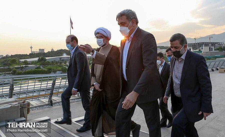 آمفی تئاترروباز باغ کتاب تهران